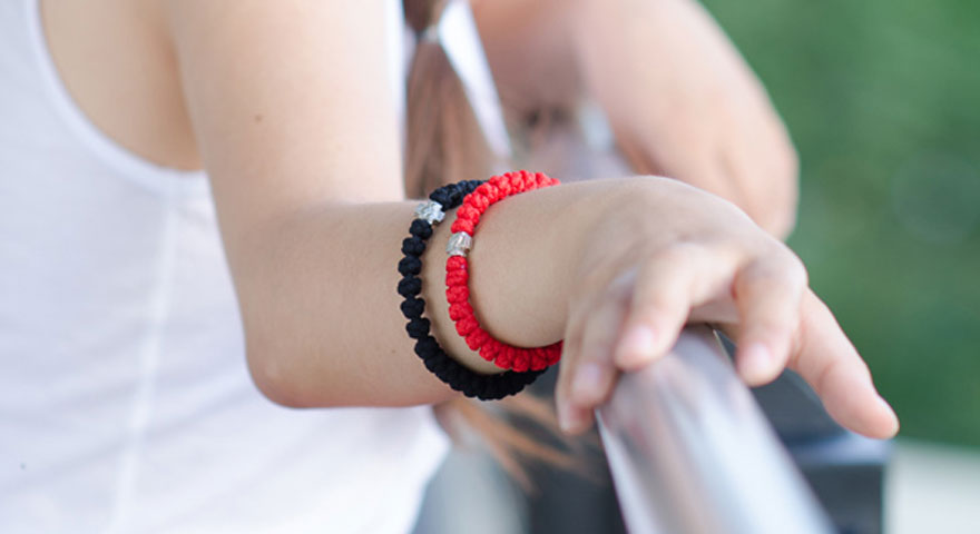 Power Colors | Black & Red Prayer Rope Bracelet Featured